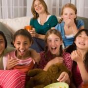 Веселые игры для детской вечеринки с ночевкой