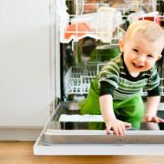 Как сделать кухню безопасным местом для детей